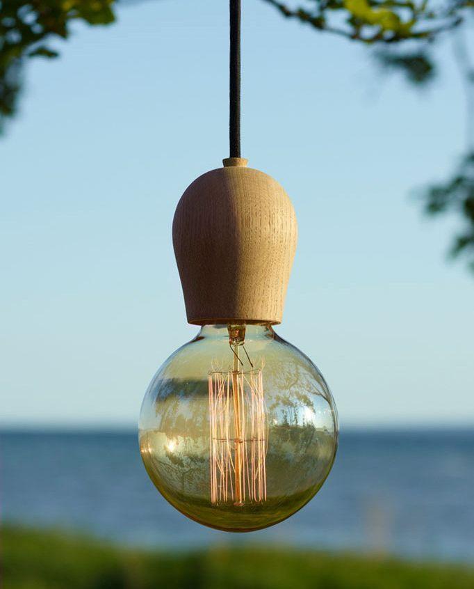 Drevené závesné svietidlá sú veľmi módne v súčasnej dobe. Sú vhodné ako dekorácia k jedálenských stolom a pultom v kuchyni alebo v spálni, nad nočnými stolíkmi (3)
