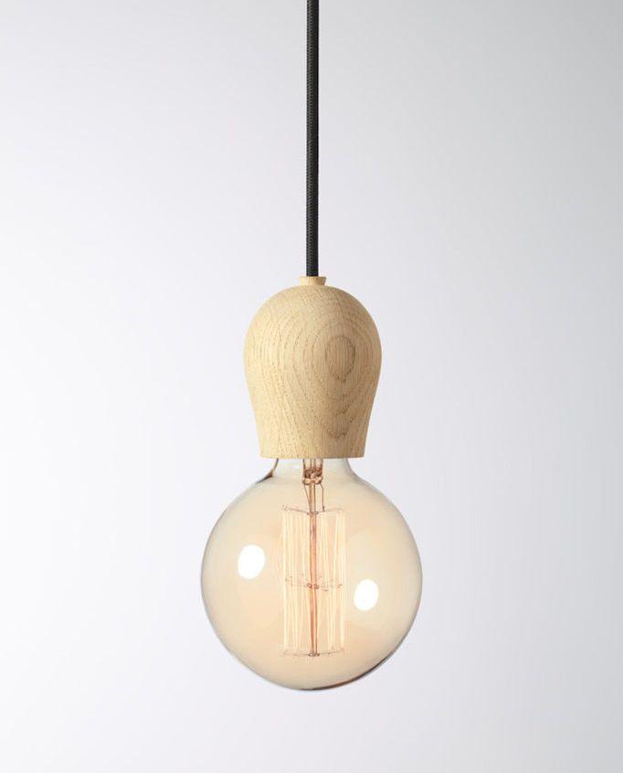 Drevené závesné svietidlá sú veľmi módne v súčasnej dobe. Sú vhodné ako dekorácia k jedálenských stolom a pultom v kuchyni alebo v spálni, nad nočnými stolíkmi (5)