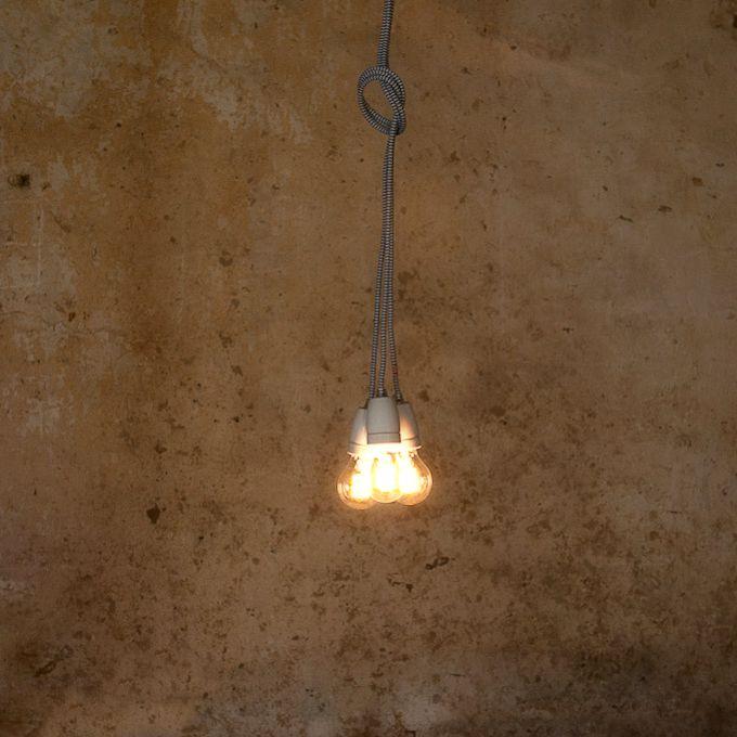 Toto kreatívne a štýlové závesné svietidlo môže byť použité ako stropné zváesné svietidlo alebo ako súčasť lampy, omotanie okolotrámu, postele ... kreativita je tu nekonečná