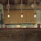 Svietidlo-je-vyrobené-na-žiarovky-s-päticami-E27