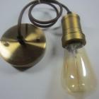 Retro-štýlové-závesné-svietidlo-v-bronzovej-farbe