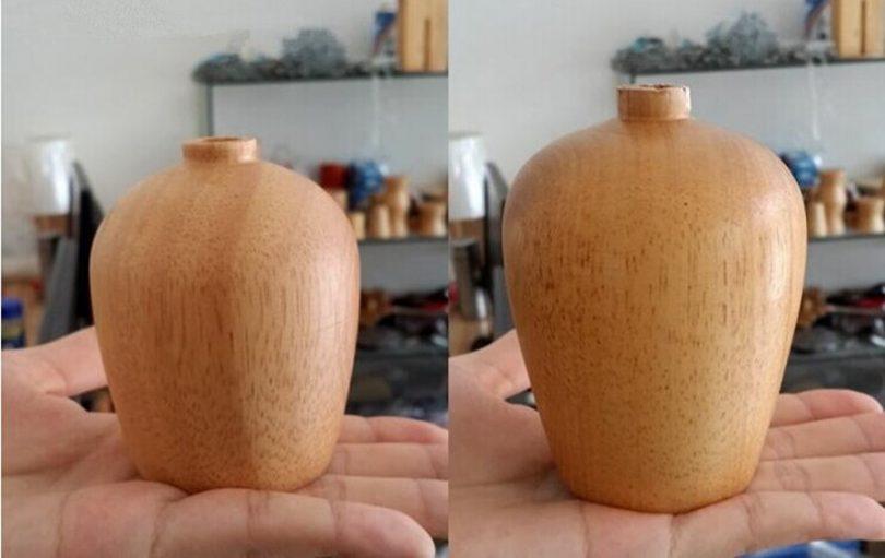 Luster-ponúka-jednoduchú-konštrukciu-v-drevenom-vzhľade-sa-koncovkou-na-žiarovku-typu-E27