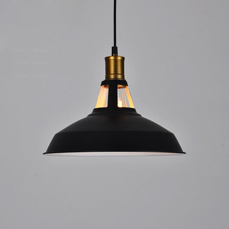 Historické-závesné-svietidlo-Country-Medium-v-čiernej-farbe-je-zárukou-obdivu-vašej-domácnosti-alebo-chalupy-reštaurácie-a-pod5