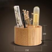 Lampa je v prírodnej drevenej farbe a je vhodná ako dekorácia do každej domácnosti