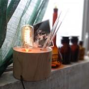Stolová lampa je vhodná do obývacej izby, kuchyne, jedálne, spálne, reštaurácie a pod