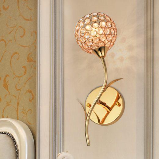 Tieto luxusné svietidlá vnesú do izby ducha budúcich čias a prispôsobia výzor a štýl izby do elegantnej podoby www.ziarovky.eu