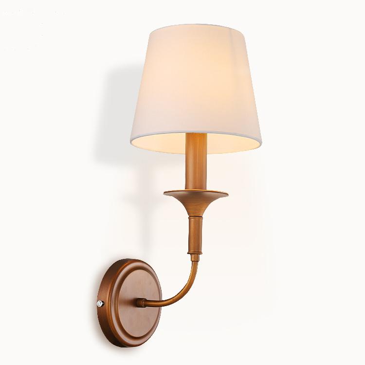 Toto-exkluzívne-nástenné-svietidlo-je-vhodné-pre-milovníkov-štýlového-bývania1