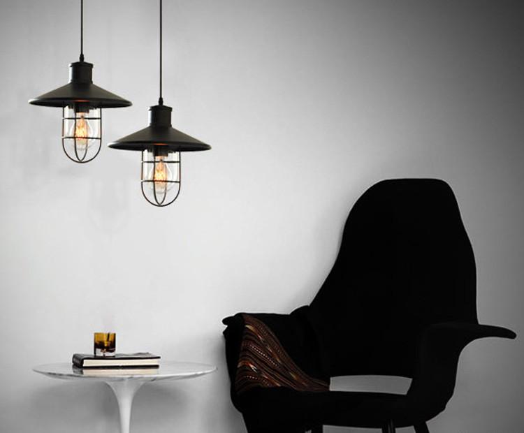 hisstorické-priemyselné-svietidlo-v-starodávnom-dizajne