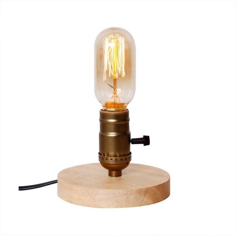Historická stolová lampa vyrobená z dreva so stmievačom