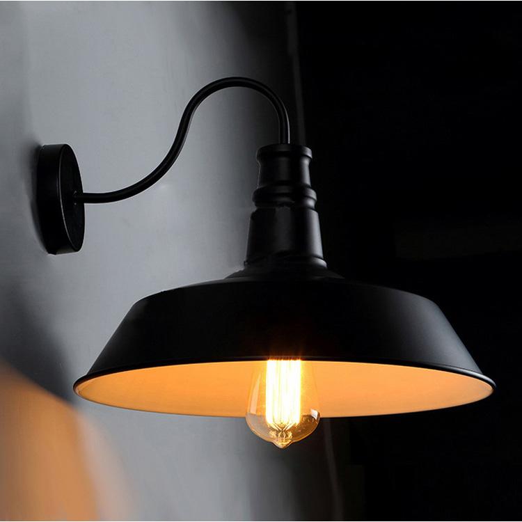 Nástenné svietidlo je zárukou obdivu vašej domácnosti alebo chalupy, reštaurácie a pod