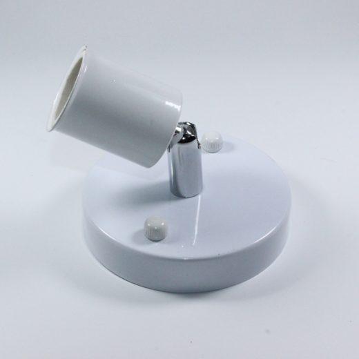 moderné svietidlo v jednoduchom štýle