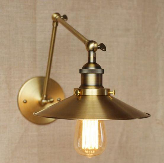 Historická nástenná lampa Alton v zlatej farbe (4)