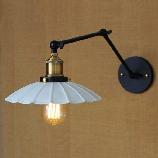 Starodávna nástenná lampa Chester s bielym tienidlom (4)