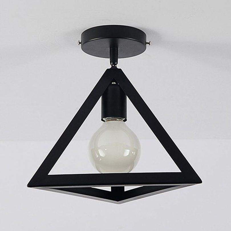 Moderné stropné svietidlo Trojuholník v čiernej farbe (3)