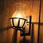 Starodávne nástenné svietidlo v tvare sviečky2