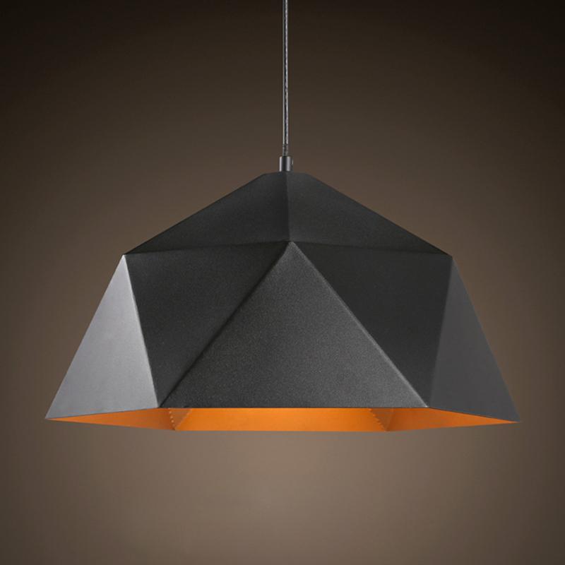 Svietidlo je vhodné ako dekorácia a osvetlenie do obývacej izby