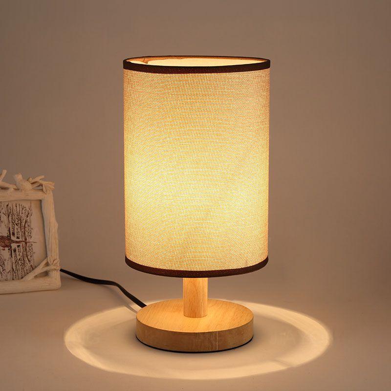 Stolová lampa s tienidlom vyrobená z dreva so stmievačom (2)