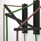 Drevený nástenný držiak pre závesnú lampu Pinocchio v čiernej farbe (6)