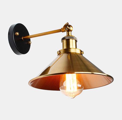 Historické nástenné svietidlo so zlatým hlbokým tienidlom (2)
