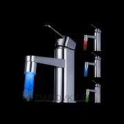 LED-vodovodný-kohútik-svetlo-dekorácia-do-umývadla