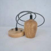Závesný drevený luster z dubového dreva s veľkosťou 10cm so šedou textilnou šnúrou - 2.AKOSŤ – Poškriabané drevo (1)