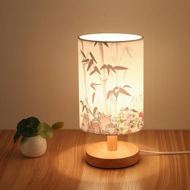 Stolová drevená lampa so spínačom a vzorom kvetov (2)
